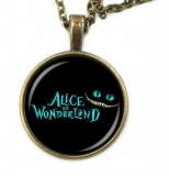 Řetízek Alice in Wonderland (6)